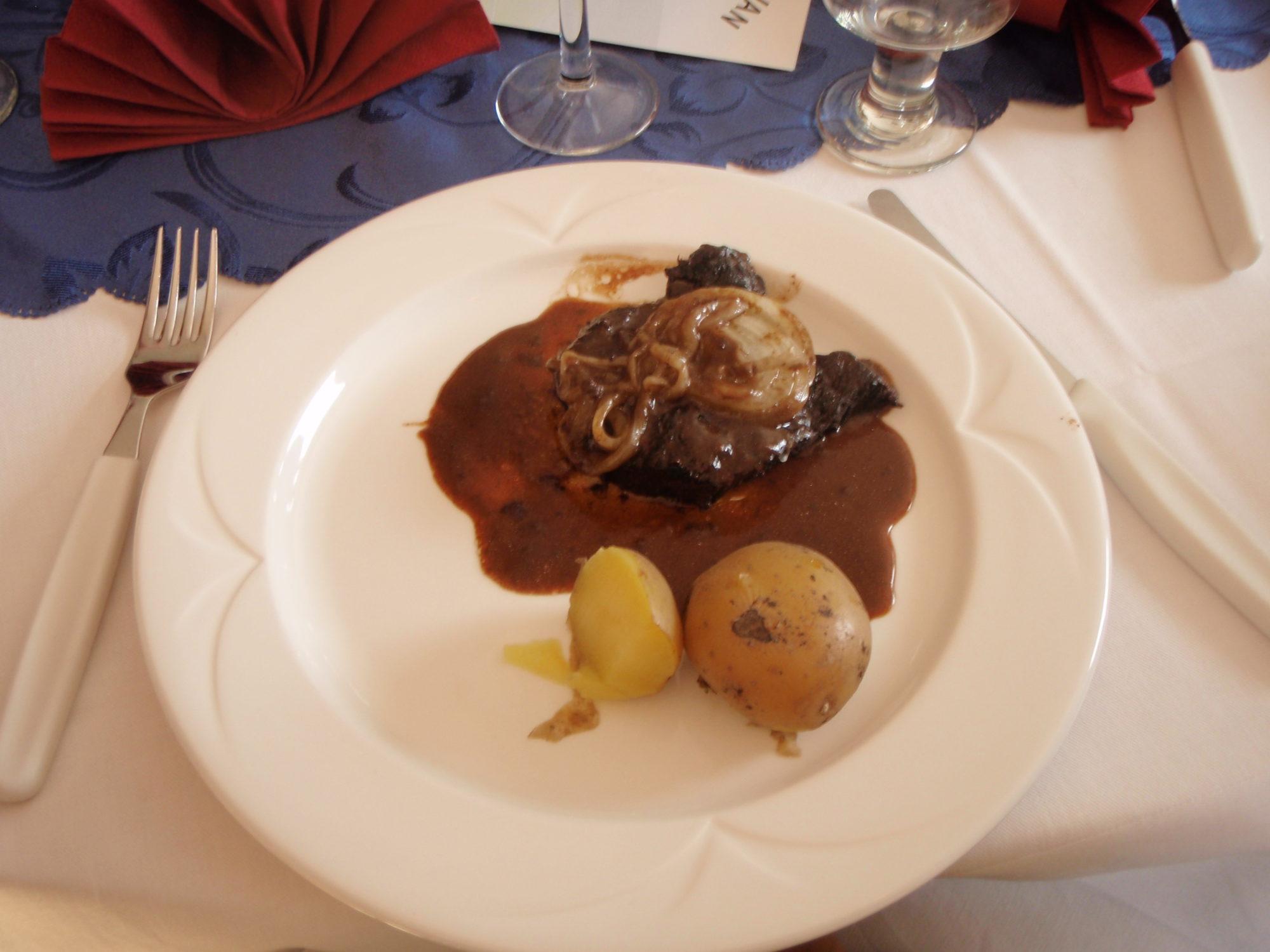 Kuchnia Wysp Owczych - Polędwica z Grindwala