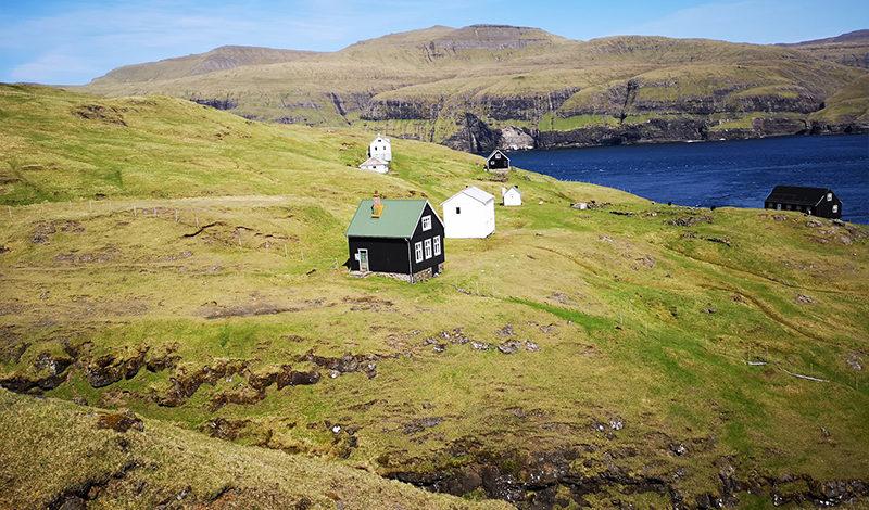 Zdjęciw: Pól Sundskarð . Slættanes. Wyspy Owcze
