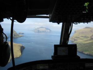 Widok na Mykines z Helikoptera Atlantic Airways, Wyspy Owcze