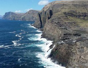 Wodospad Bøsdalafossur. Wyspy Owcze