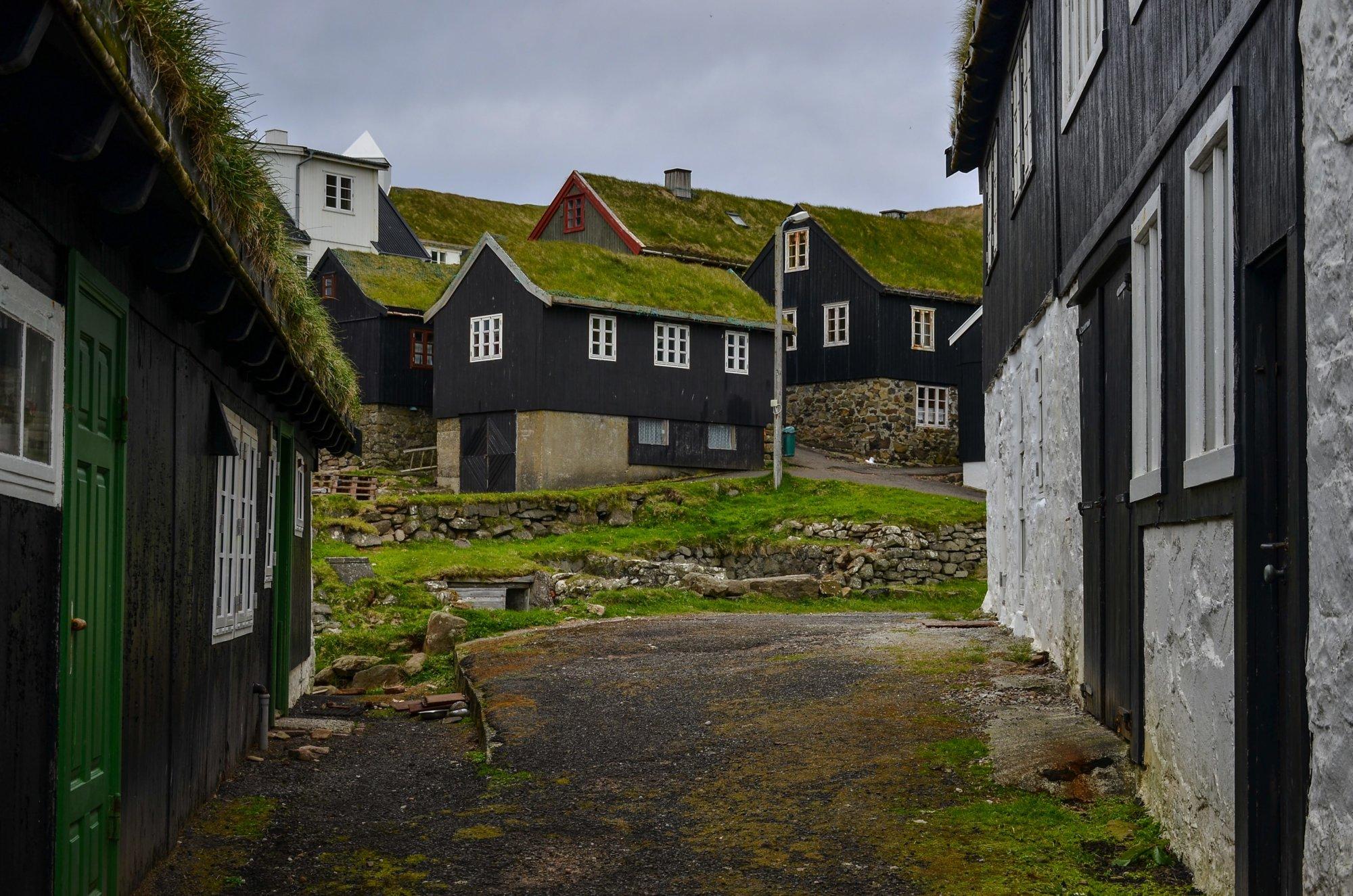 Ulica na Mykines na Wyspach Owczych
