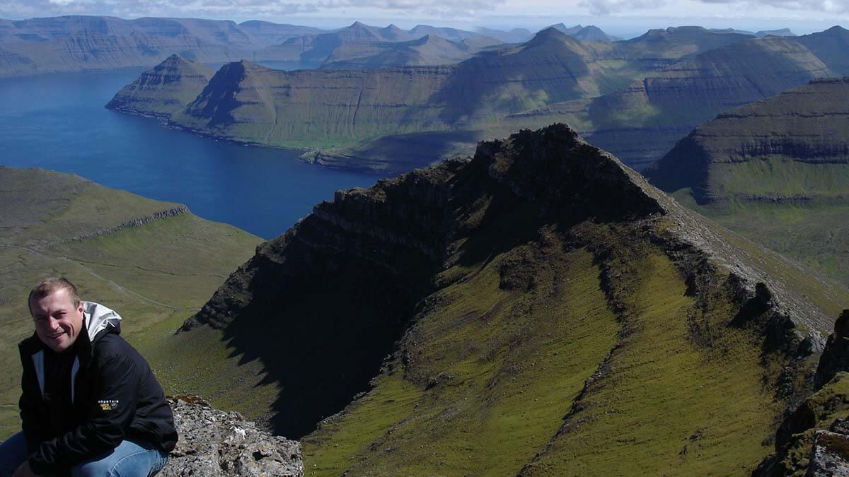 """Najwyższy szczyt Wysp Owczych - Slættaratindur, czyli """"Płaski szczyt"""""""