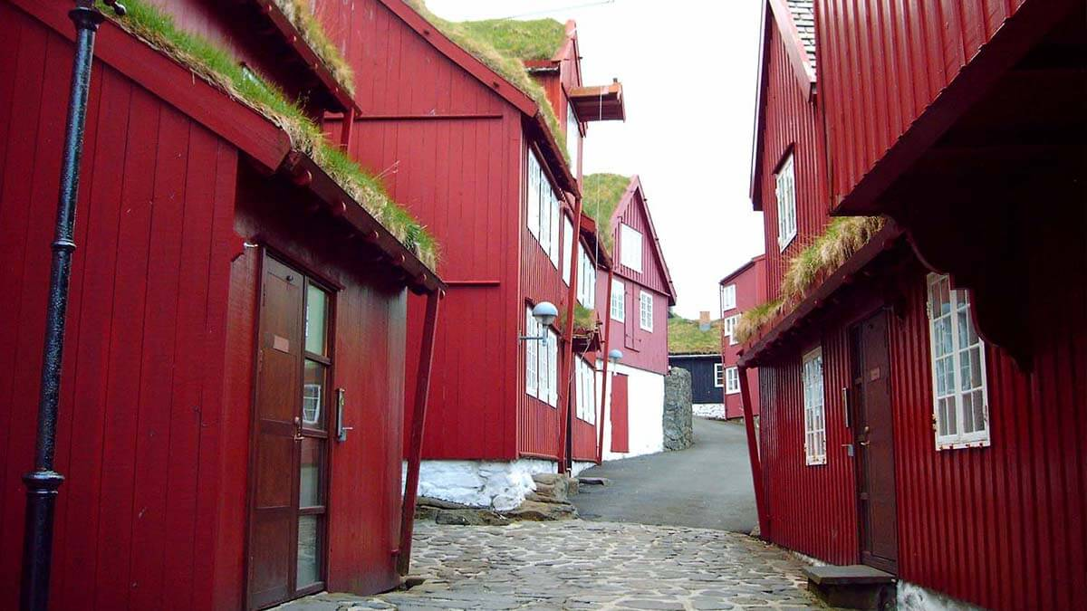Tinganes - dzielnica rządowa w Torshavn na Wyspach Owczych