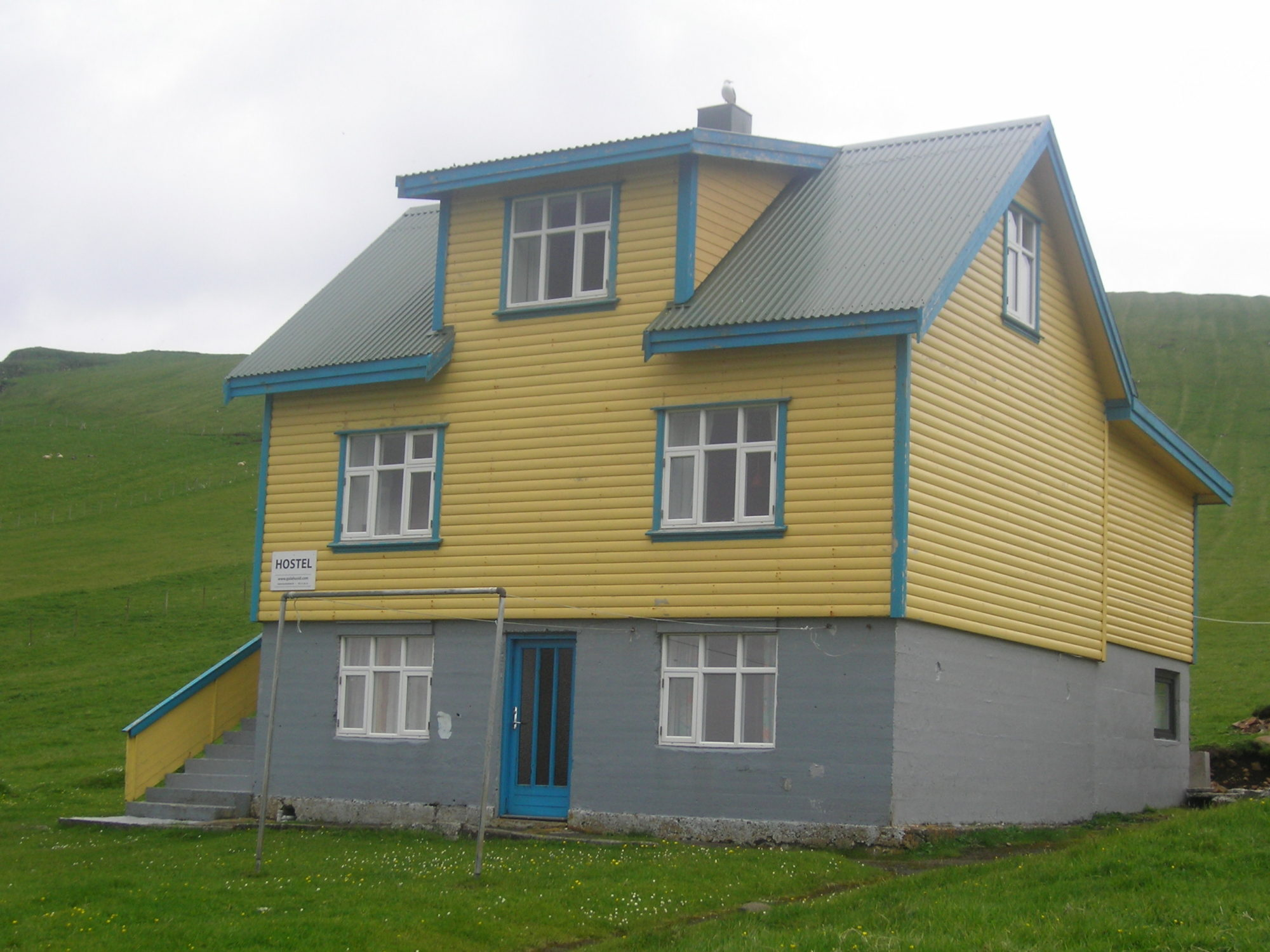 Yellow House na Mykines