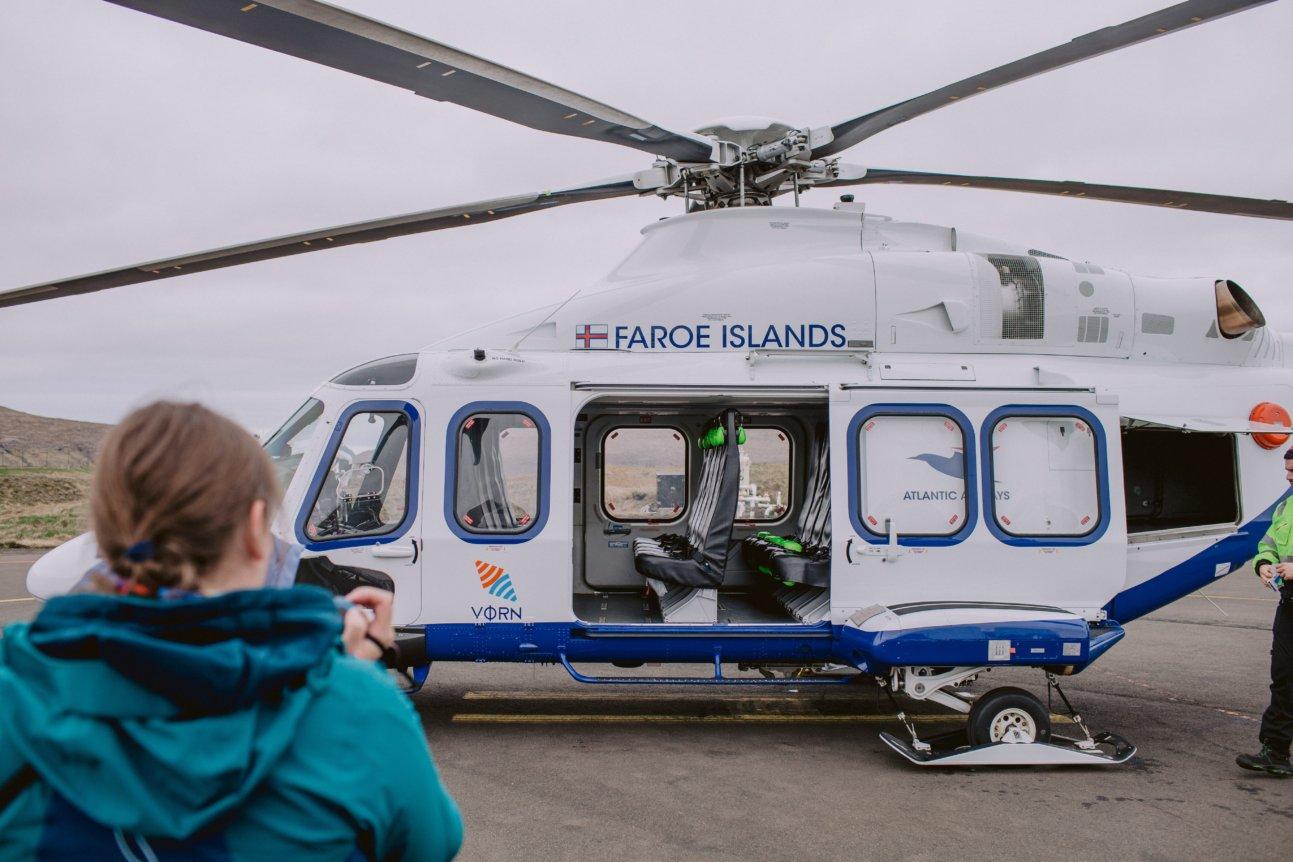 Helikopter Atlantic Airways na lotnisku Vagar na Wyspach Owczych