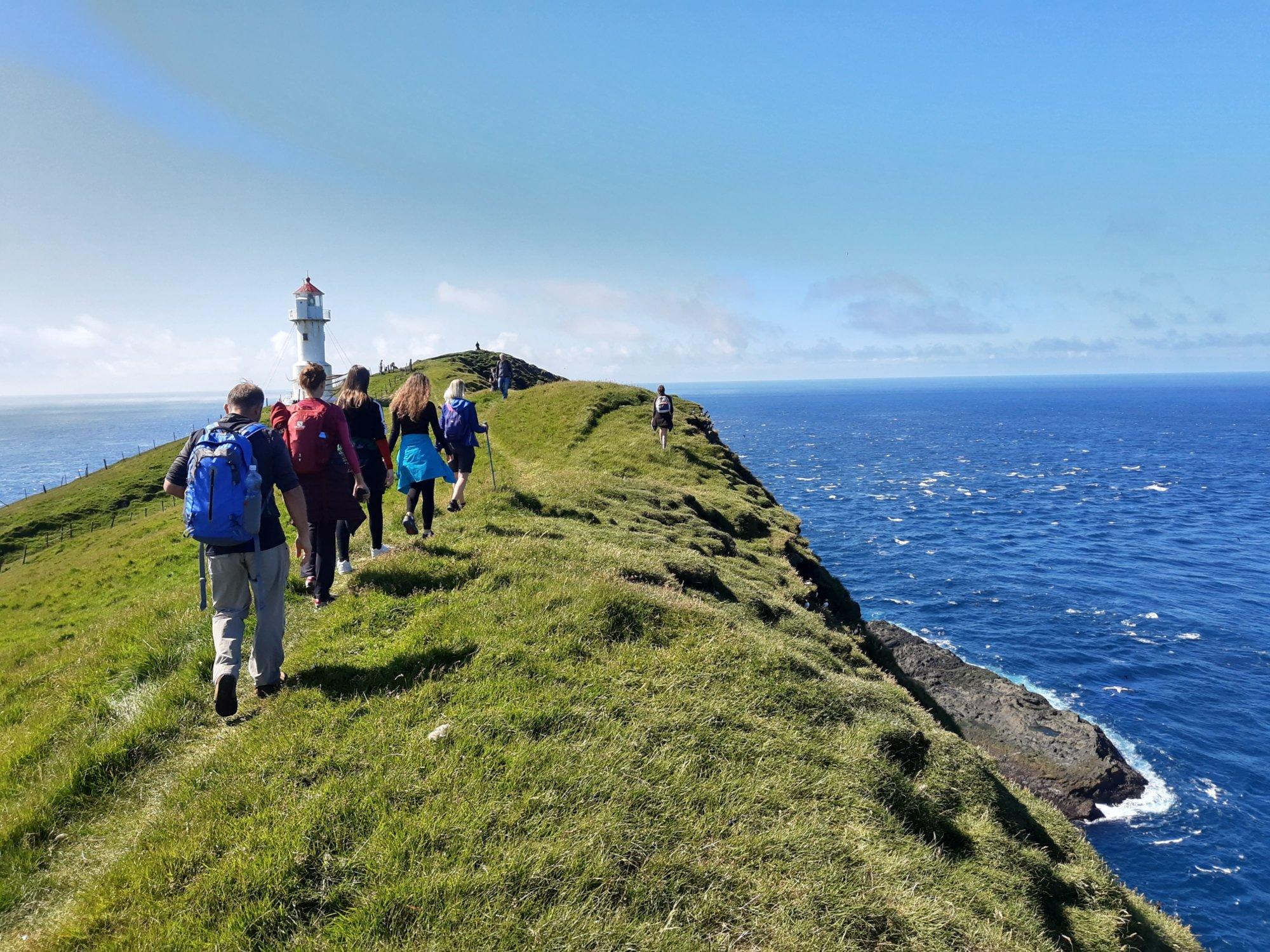 W drodze na latarnie na Mykinesholmur na Wyspach Owczych