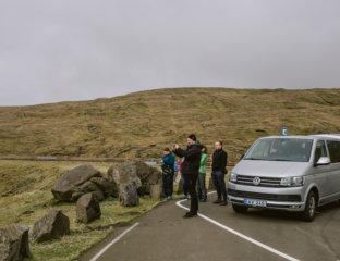 Parking przy Kvivik na Wyspach Owczych